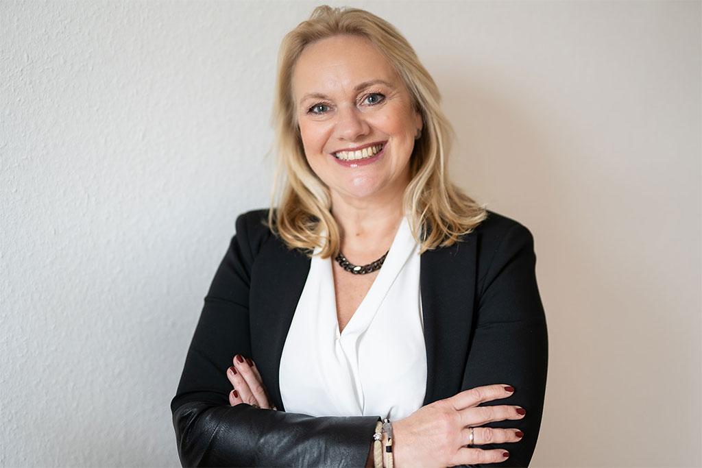 Angela Albers
